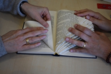 Bücher falten in der Bücherei & Spielothek